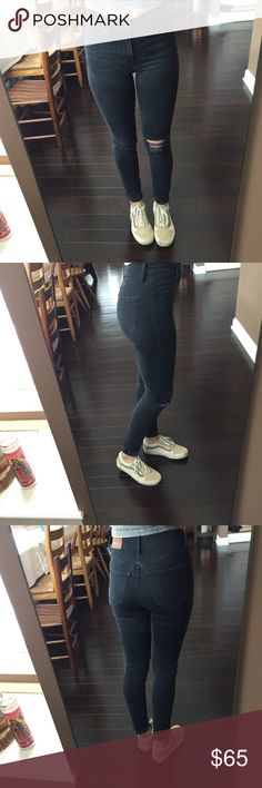 """9"""" high rise skinnies: black sea wash black sea—h2230 excellent used condition  perfect pair of distressed black jeans inseam: 30.5"""" former employee of madewell with far too many clothes than she can wear!!  check out my closet for a lot of other great madewell pieces:) Madewell Jeans Skinny"""