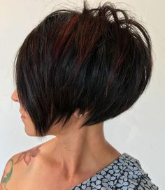Short Layered Hair For Girls - Schulterlange Haare Ideen Short Layered Bob Haircuts, Asymmetrical Bob Haircuts, Short Hairstyles For Thick Hair, Short Hair With Bangs, Short Hair With Layers, Short Hair Cuts, Curly Hair Styles, Layered Hairstyles, Long Hair
