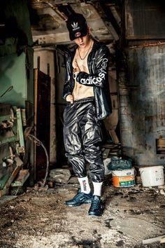 Men's Leather Jacket, Leather Men, Look Adidas, Bad Boy Style, Lycra Men, Nylons, Herren Outfit, Urban Looks, Shirtless Men