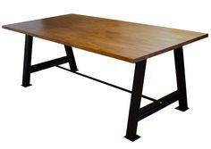Mesa de estilo industrial vintage con patas de hierro y superficie de madera de pino macizo finger-joint Espectacular e imponente mesa con estructura de vigas de acero laminado en caliente y tap