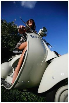 All things Lambretta & Vespa, well all things if they are pictures.! (and perhaps the odd other...