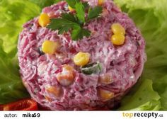 Salát z kysaného červeného zelí recept - TopRecepty.cz