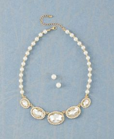 This necklace is perfect for an upcoming wedding. It's so beautiful and elegant. A great addition for a bride.