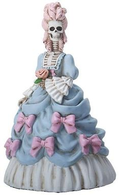 Marie Antoinette, the last queen of France, has been both vilified as the personification of the evils of monarchy and exalted as a pinnacle of fashion and beauty. Made of cold cast resin. Halloween Home Decor, Halloween House, Halloween Party, Vintage Fall, Vintage China, Halloween Wedding Cakes, Funny Tattoos, Queen, Collectible Figurines