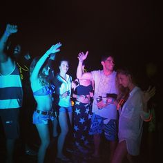 When I sail - I want beach parties!  The South Week Review - Party Sailing Flotilla | SailChecker  http://sailchecker.com/blog/the-south-week-party-sailing-flotilla/