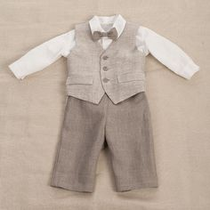 Kids boy natural linen suit size 26  27 inch baby boy by Graccia, $95.00