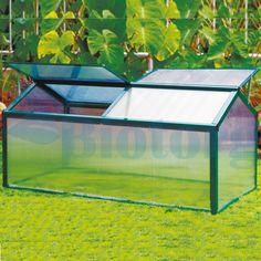 В мини-теплице парнике JXX-50012 создан специальный микроклимат для выращивания растений. Многие садоводы используют подобные теплицы для выращивания клубники, огурцов и перца. Отличный урожай в мини-теплице гарантирован 4мм поликарбонатной панели. Благодаря которой будущий урожай получает много света, защищен от резких перепадов температур, заморозков. Поликарбонат - это легкий материал, который не боятся высокой температуры и не поддерживают горения, с легкостью выдерживает град и снег.