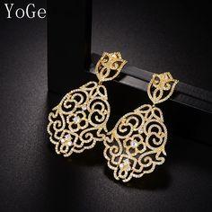 Diamond Jewelry, Diamond Earrings, Drop Earrings, Jewelry Party, Jewelry Necklaces, Bijoux Design, Pendant Set, Designer Earrings, 18k Gold
