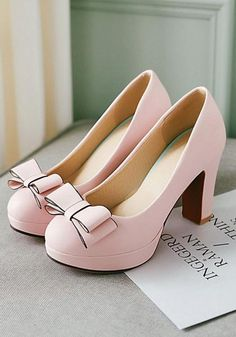 "Pink Round Toe Chunky Bow Sweet High-Heeled Shoes - Pink Round Toe Chunky Bow Sweet High-Heeled Shoes "" Pink Round Toe Chunky Bow Sweet High-Heeled S - Fancy Shoes, Pretty Shoes, Beautiful Shoes, Cute Shoes, Pink Shoes, Gorgeous Women, Black Shoes, Hot High Heels, High Heel Boots"