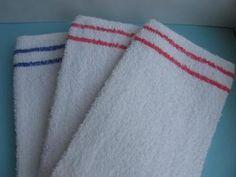 Badstof baby spuugdoekjes met rood/blauw randje.