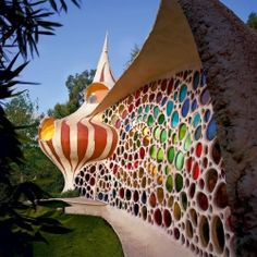 The Nautilus Seashell House resides in Mexico City... Oh, this is pretty.