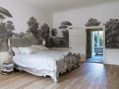 PHOTO: Magnus Marding for T. Magazine Celebrated British designer Ilse Crawford draped the master bedroom of Dinder House, her clients' historic Georgian manor in Somerset, England, in a scenic wallpaper. Scenic Wallpaper, Wallpaper Direct, Landscape Wallpaper, Forest Wallpaper, Tree Wallpaper, Amazing Wallpaper, Unique Wallpaper, Photo Wallpaper, Georgian Buildings