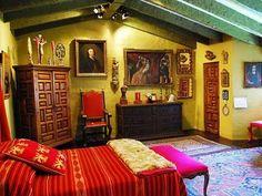 #ridecolorfully #katespadeny #vespa I'd peek into Robert Brady's bedroom