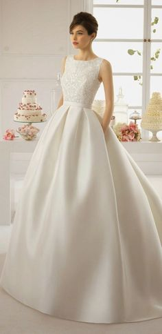 All brides think of finding the most appropriate wedding, however for this they require the perfect wedding gown, with the bridesmaid's dresses complimenting the wedding brides dress. Here are a number of suggestions on wedding dresses. Classic Wedding Dress, Dream Wedding Dresses, Bridal Dresses, Dresses Dresses, Dresses Online, Elegant Dresses, Beautiful Dresses, Gorgeous Dress, Sophisticated Bride