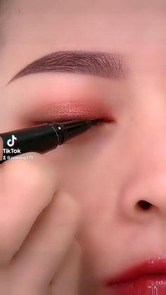 Eyeliner Looks, No Eyeliner Makeup, Eyeliner Tutorial, Rings, Jewelry, Makeup Tutorials, Eye Liner, Jewlery, Jewerly
