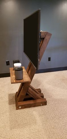 Creative ideas for DIY TV stand plans, very cheap and easy to do. Find the perfect TV Stand for your TV with any sizes. Woodworking Jointer, Woodworking Plans, Woodworking Classes, Woodworking Magazine, Woodworking Tools, Outdoor Tv Stand, Homemade Tv Stand, Tv Diy, Tv Floor Stand