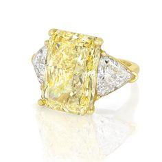 W.O.W!!! 18cts fancy intense yellow diamond ring. W.O.W!!!