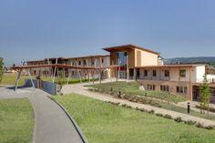 La nuova scuola di Montelupo Fiorentino è un'opera degna di nota.