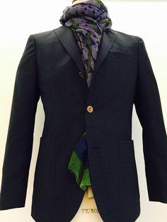 Per il tuo nuovo guardaroba un classico contemporaneo:  giacca #boglioli e sciarpa #camerucci
