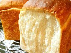 少量イーストで冷蔵発酵* 山型食パン 大好きなパン屋さんの低温長時間発酵食パンを再現。しっとりもっちり吸い付くような口当たりのクラムに、ヒキのあるクラスト。