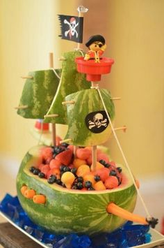 Watermelon carving perfect for pirate fairy party. haha this would be awesome! Watermelon Carving, Watermelon Boat, Pirate Ship Watermelon, Watermelon Centerpiece, Carved Watermelon, Watermelon Ideas, Pirate Theme, Food Humor, Cute Food