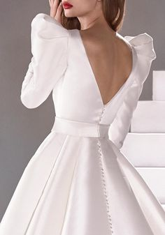 Wedding dress in mikado with princess cut and V-neck Sleek Wedding Dress, Wedding Gown A Line, Fancy Wedding Dresses, Wedding Dress Sleeves, Bridal Dresses, Wedding Gowns, Satin Dresses, Nice Dresses, Asian Wedding Dress Pakistani