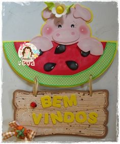 Vivendo em EVA Wooden Crafts, Diy And Crafts, Class Door Decorations, Watermelon Crafts, Ideas Para, Applique, Scrapbook, Christmas Ornaments, Holiday Decor
