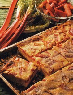 Gâteau à la rhubarbe Recette | Dr. Oetker
