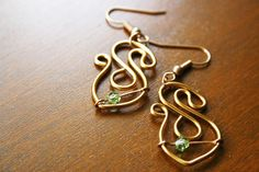 super s copper wire earrings with peridot crystal