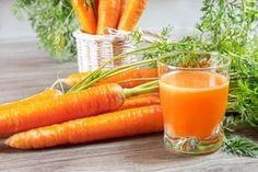 O suco de cenoura tem efeito depurativo e tônico do fígado e por isso é capaz de eliminar o excesso de gordura, reduzindo o colesterol. Veja como fazer!