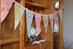 lovely little handmades: easy peasy~ banner tutorial