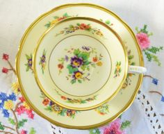Paragon fine bone china tea cup and saucer. Star Paragon two tone tea cup and saucer with beautiful floral pattern and gold gilding. Vintage item from the 1920s. No chips, no cracks, manufacturing defect under saucer (nothing to worry about) This item is in very good vintage condition