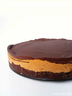 Vegan Peanut Butter Cup Cheesecake *This recipe is no bake, vegan, coconut oil, gluten free, easy and peanut butter chocolate heaven!http://www.damyhealth.com/2012/03/vegan-peanut-butter-cup-cheesecake/