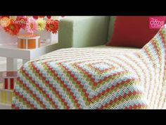 Learn how to crochet a really cool Cottage Throw. This pattern works up really quick and you can have fun with the colour combinations too. Get the free patt...
