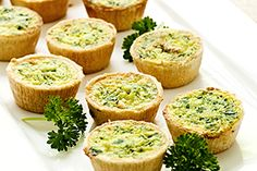 Deliciosa receta de Quiche de brocoli y queso miniatura... consigue esta y muchas otras recetas y restaurantes en www.buenapetitopr.com