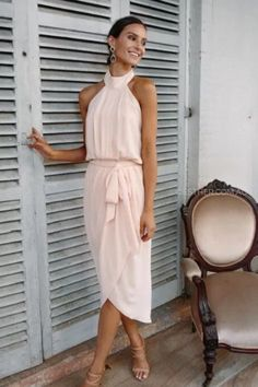 Find inspiration here for cute summer dresses to help keep you cool and comfortable on those beautiful hot summer days! #fashion #summer #dresses #womensclothing Girly Outfits, Trendy Outfits, Trendy Fashion, Classy Casual, Classy Dress, Elie Saab, Amaryllis, Cooler Style, Dresses To Wear To A Wedding