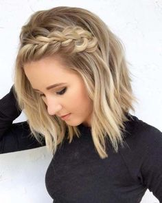 wedding hairstyles medium length Medium Length Hairstyles With Side Braid Love medium layered haircuts Lots of ideas for thin and thin hair, styles for straight and curly hair texture, trending hairstyles with bangs and many inspo cuts are here! Short Blonde Haircuts, Medium Layered Haircuts, Thin Hair Haircuts, Bob Haircuts, Bob Hairstyles, Short Blonde Curly Hair, Wedding Hairstyles For Short Hair, Simple Hairstyles For Medium Hair, Beach Hairstyles Medium