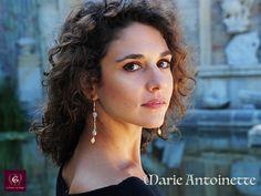 Marie-Antoinette: Ultra feminine style artistic earrings, handmade by La Maison de Ginger Unique Art, Jewelry Art, Drop Earrings, Style, Fashion, Artist, Bijoux, House, Fashion Jewelry