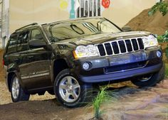 2005 Jeep Grand Cherokee 5.7 Limited this always got me through the snow