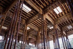 bamboo son la restaurant in vietnam by vo trong nghia architects Timber Architecture, Architecture Awards, Unique Architecture, Leonardo D, Bamboo Restaurant, Vietnam Restaurant, Bamboo Ceiling, Restaurant Pictures, Bamboo Construction