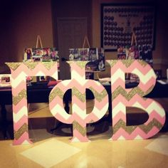 cariexplainsitall:    Lovin' our new letters