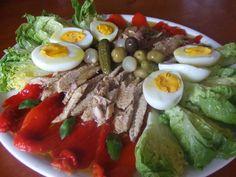 Ensalada de cogollos y pimientos asados con lomitos de caballa Receta de Cuqui - Cookpad