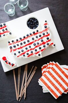 USA Flag Cake // Fourth of July Recipes
