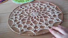 New crochet mandala doily dream catchers Ideas Granny Square Crochet Pattern, Crochet Flower Patterns, Crochet Doilies, Crochet Stitches, Crochet Motif, Crochet Headband Free, Doily Dream Catchers, Dream Catcher Tutorial, Crochet Dreamcatcher