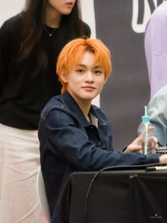 nct dream chenle at a fansign ©️logo Nct Dream Chenle, Ntc Dream, Nct Chenle, Johnny Seo, Yuta, Boyfriend Material, Taeyong, Jaehyun, Nct 127