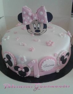 Gâteau minnie Minnie Cake, Moana, Desserts, Food, Birthday, Recipes, Tailgate Desserts, Deserts, Essen