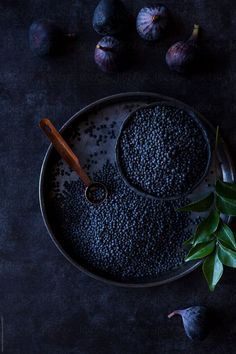 Photography and styling nadine greeff, cape town - chiaroscuro food photogr Breakfast Photography, Dark Food Photography, Food Styling, Photo Restaurant, Black Lentils, Black Food, Food Design, Food Art, Food Inspiration