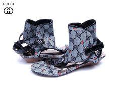 Zapatos Gucci Mujer KK44 Sandalias y Zuecos Gucci Mujer Azulejos Plata y  Moda Sandalias 71b1e8f5b33