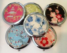 #Custom #Wedding Compact Mirrors for the Bridal Party by Glassology | Hatch.co Custom Wedding Gifts, Gifts For Wedding Party, Party Gifts, Our Wedding, Party Like Gatsby, Fine Paper, Wedding Colors, Wedding Coral, Compact Mirror