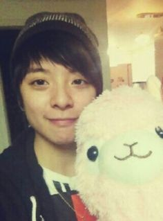 SHINee's Minho writes the 'llama song' for Amber of f(x) #allkpop #SHINee #FX